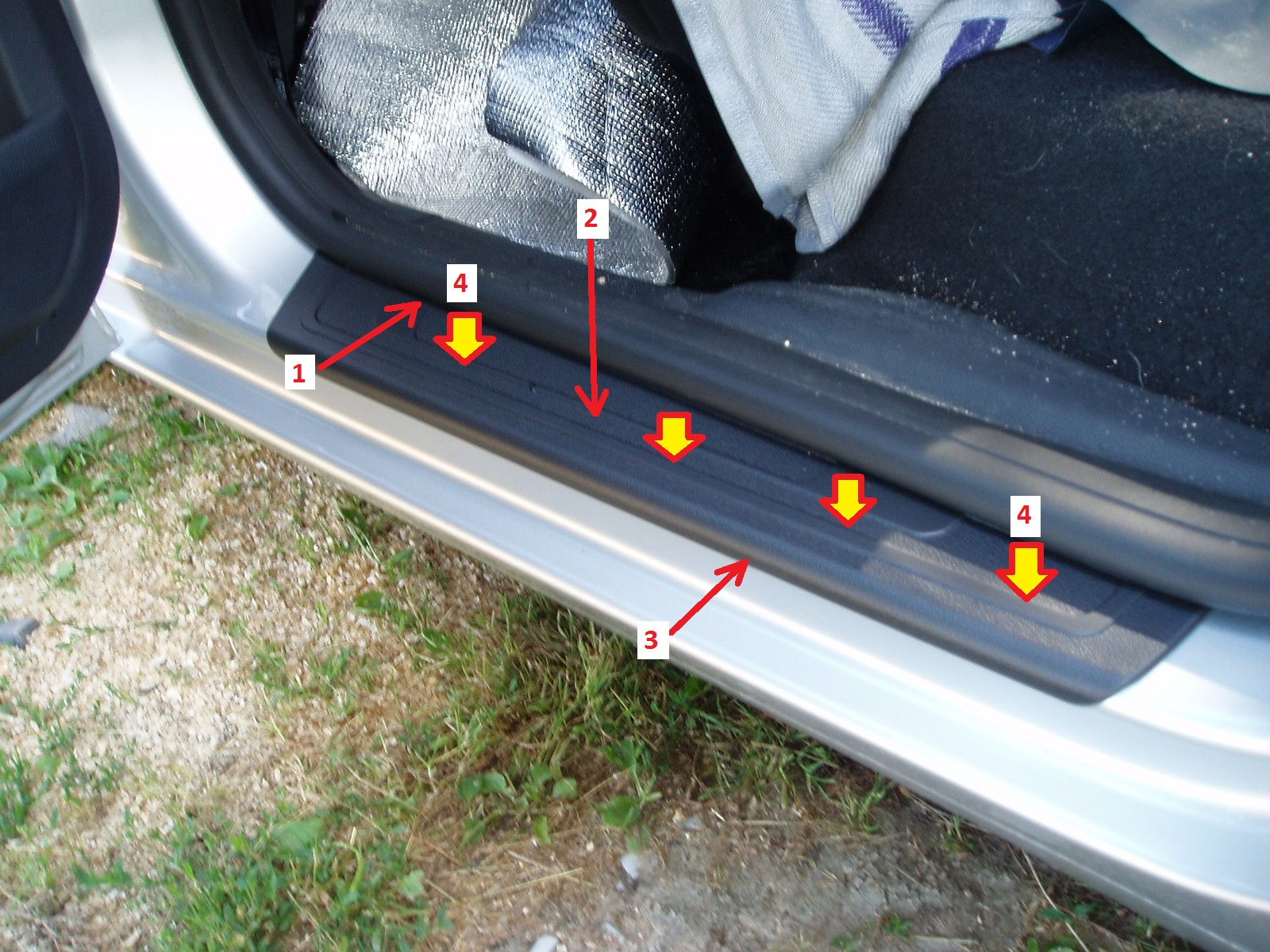 Skoda Roomster - Sill cover - 06
